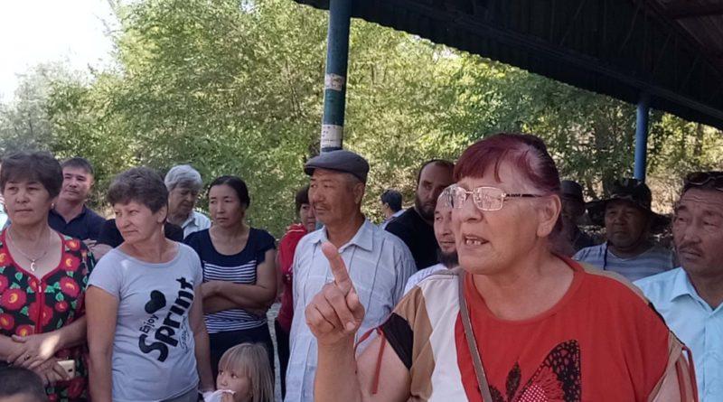 У дачников лопнуло терпение: люди вышли на митинг