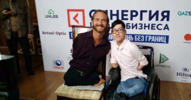 «Исполнил мечту»: сельский школьник встретился с Ником Вуйчичем